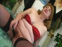 Large mature wife getting slammed